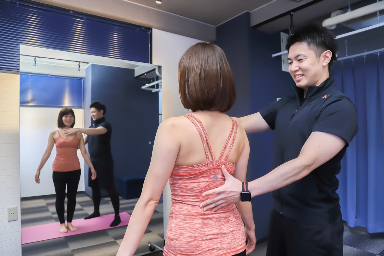 パーソナルトレーニングで姿勢改善
